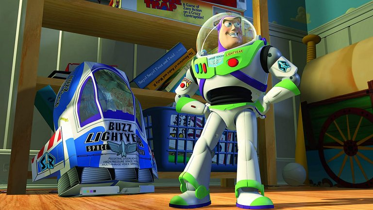 """""""Играта на играчките""""  Това е една истинска класика в анимационните филми - """"Играта на играчките"""". Тази едновременно забавна и трогателна история показва нагледно какво би станало, ако мечтата играчките да са надарени с живот се окаже истина. А какво точно става - ще видим когато една симпатична играчка на име Бъз реши, че всъщност не е играчка, а истински човек. Оттам нататък следва много смях, но и доста емоции и поуки за малки и големи."""