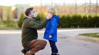 А психическото и емоционално оцеляване на малките деца?