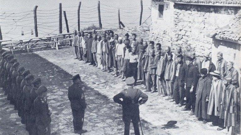 """Подценен: На малкия остров (1958), 80 място  Първият филм на Рангел Вълчанов остава в сянката на по-късните му творби, но си остава по-добър от повечето от тях. Искрено и без излишни претенции, """"На малкия остров"""" разказва за група затворници на изолиран остров, които се борят да запазят частица от своето достойнство и от вярата си в бъдещето. Четирима от тях решават да действат и замислят план за бягство, вместо примирено да чакат присъдите си. Изглежда, че нищо не е на тяхна страна, но постепенно и останалите затворници биват заразени от ентусиазма им.  Човещината и иронията, с която са разгърнати отлично измислените персонажи (отново по сценарий на Валери Петров) прави силно впечатление у нас и в чужбина. Филмът дава страхотен начален тласък на Рангел Вълчанов, който впоследствие развива шеметна кариера и е смятан от някои за най-големия български режисьор."""
