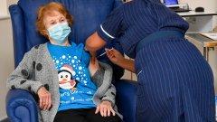 """Великобритания започна своята """"най-мащабна имунизационна програма"""" в историята си"""