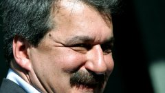 На Тодор Батков сигурно му се иска Левски да се докосне до успехите на БАТЕ Борисов