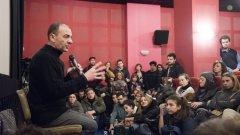 Маринов говори пред студентите над три часа и половина