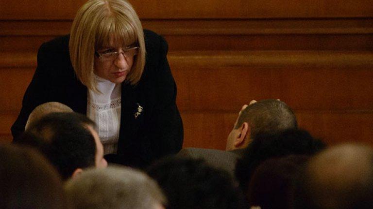 Цачева очаква промените да бъдат окончателно гласувани през есента