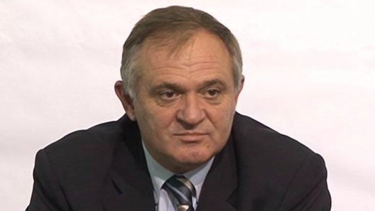 Председателят на Професионалната футболна лига Стефан Капралов обяви, че клубовете може да спрат тв камерите след втория кръг на А група