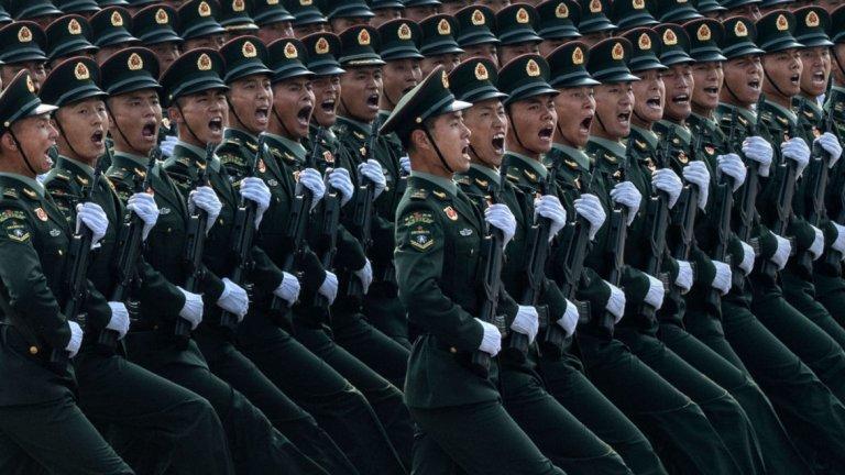 С около 2 милиона души във въоръжените сили на Китай, може би мислите, че историята на един човек, който не може да поеме строгостта на военния живот, не би ангажирала националното внимание