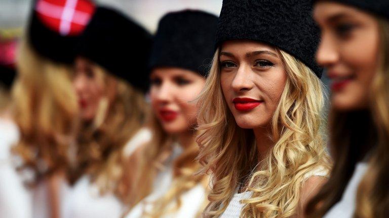 Защото нашите са най-красиви: Русия иска връщане на момичетата във Формула 1