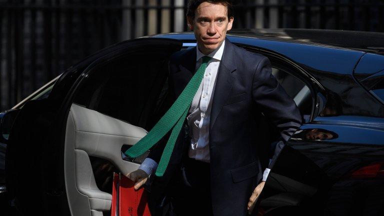 Рори Стюарт  Министърът по международното развитие потвърди, че е готов да се предложи за министър-председател. Стюарт предупреди, че не желае да заема управленски пост в евентуален кабинет на Борис Джонсън в знак на несъгласие със заплахата му за Brexit без сделка.
