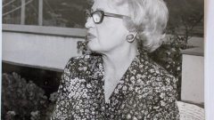 Живяла в размирни времена и оцеляла в два авторитарни режимa, дизайнерката Клара Ротшилд, наричана източноевропейската Коко Шанел, и днес вдъхновява унгарската мода.