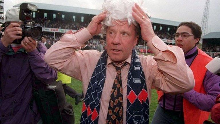 5. Джим Смит, Дарби Каунти. През 1996-а той тъкмо бе върнал Дарби във Висшата лига. В края на кампанията завърши 12-и, което бе най-доброто постижение на клуба от 8 години. Белоглавия орел, както бе прякорът му, води отбора до 2001-ва. През 2009-а се пенсионира, а малко по-запомнящ се период имаше в Оксфорд Юнайтед. От септември 1996-а Дарби Каунти смени 12 мениджъри.