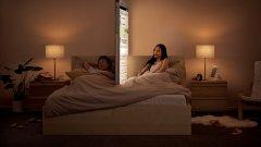 Реклама с гигантски смартфони показва на какво приличаме, когато загърбим нормалното общуване
