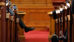 """Депутатите приеха НЕК да получи държавен заем, за да започнат плащанията за оборудването на АЕЦ """"Белене"""""""