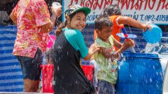 Три места, на които съществуват тези истински и автентични Фестивали на водата