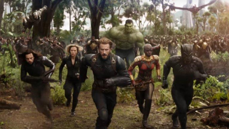 """3. Avengers: Infinity War (27 април – България; 4 май - САЩ)  Infinity War е рекламиран като """"началото на края"""" за филмовата вселена на Marvel такава, каквато я познаваме. Основният злодей във филма е Танос (Джош Бролин), извънземен завоевател, за който ни се намеква от първите """"Отмъстители"""" насам. Тук той вече идва на Земята, а срещу него се изправят почти всички герои на Marvel, които сме виждали до момента – Iron Man, Captain America, Thor, Spider-Man, Dr. Strange, Hulk, Black Widow и още, и още. Огромен актьорски състав и огромни очаквания – така може да бъде описана ситуацията около филма, който вече се очертава като един от най-големите хитове на годината."""