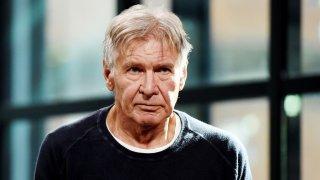 Актьорът вече е на 76 и сякаш е по-сърдит от когато и да било. Той никога не е харесвал интервюта, особено когато трябва да промотира нов филм.