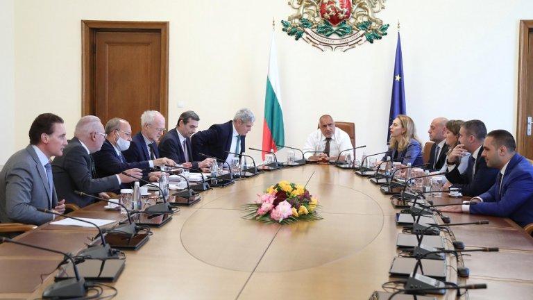 До 10 дни ще бъде свикан национален икономически съвет, за да се подготвят работни групи в сферата на икономиката и бизнеса