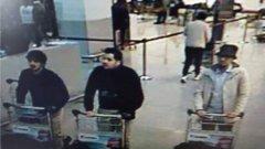 Мъжът със светлото яке се издирва от полицията. Другите двама са братята Бакрауи