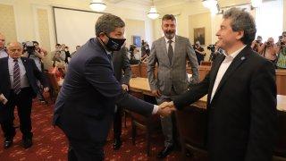 """""""Има такъв народ"""" и """"Демократична България"""" проведоха първа протоколна среща"""