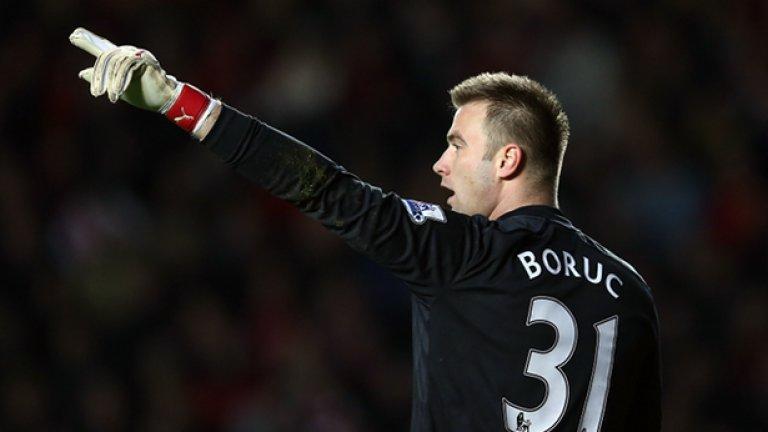 Вратар: Артур Боруц – в Борнемут, свободен трансфер, лятото на 2015 г.  Пристигна в Саутхемптън като свободен агент, лятото на 2012 г.  Печалба: 0 евро