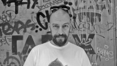 Темелко Темелков, който знае всички издраскани с графити врати в центъра на София