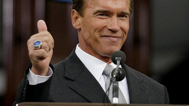 17 ноември, 2003 година, Сакременто, Калифорния. Това е момент от края на речта, след която Арнолд Шварценегер официално встъпва в длъжност като 38-ят губернатор на Калифорния.