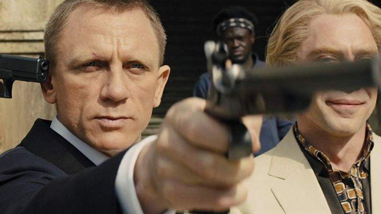 """""""007 Координати: Скайфол"""" (Skyfall)  Без значение дали сте съгласни, че """"Скайфол"""" е един от най-добрите филми за Джеймс Бонд, не можете да оспорите наистина невероятното операторско майсторство на Дийкинс. Това е един от най-добре заснетите екшън филми на XXI в., като камерата улавя Бонд като застаряващ герой, който се съмнява в собственото си място в един променящ се свят. Декорите са впечатляващи с тяхното богатство – от боя в осветения от неон небостъргач, през преследването в лондонското метро до """"пламтящия"""" финал. Всичко това е още по-впечатляващо, когато разбереш, че всички тези сцени са заснети в студио, а Дийкинс създава наистина реалистично изглеждащи условия с осветлението си, но, разбира се, я има и страхотната работа на терен в Шотландия. Филмът утвърждава Дийкинс като един от най-добрите и най-гъвкави оператори днес."""