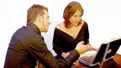 Киберпрестъпници обикалят социалните мрежи в търсене на информация за служители в големи фирми