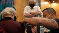 """Нова вълна и във """"ваксинирани"""" страни: Коя обаче е огромната разлика?"""
