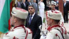 """Президентът отрече да е поемал ангажимент за военно участие в коалицията срещу """"Ислямска държава"""""""