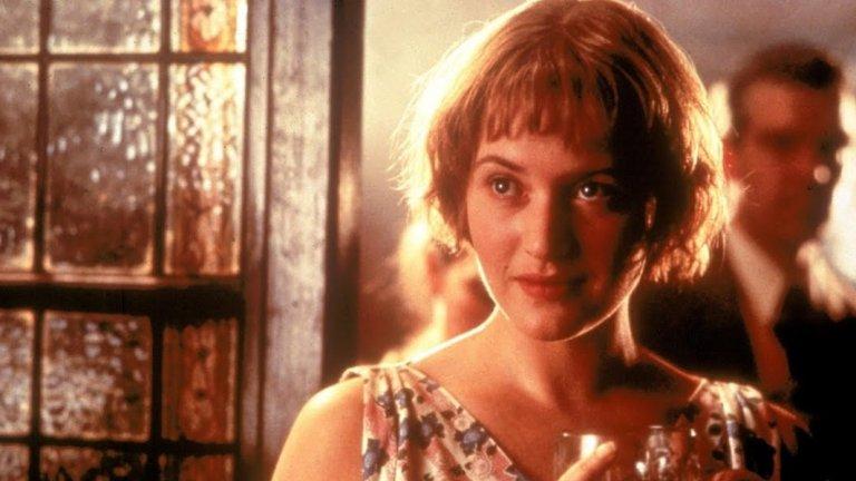 """""""Айрис""""/ Iris  """"Айрис"""" е по действителен случай и разказва за живота на Айрис Мърдок - британска писателка и философ, която в книгите си опитва да съчетае по много и от двете. Кейт Уинлсет се превъплъщава в младата Мърдок, докато дейм Джуди Денч играе възрастната Айрис.  Интересно е да наблюдаваме съпоставката, която режисьорът Ричард Ейре прави между младата писателка с нейния блестящ, остър ум и свободен дух, и вече остарялата Мърдок, чиито мозък и памет все повече потъват в дебрите на болестта Алцхаймер. Излишно е да посочваме, че и Уинслет, и Денч са във вихъра си в този филм."""