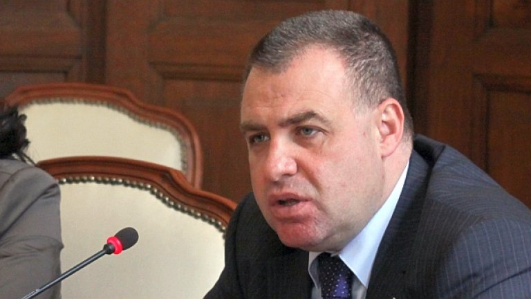 Един производител пусна бял хляб по държавна рецепта на Велики четвъртък - за тогава ни обеща новите самуни земеделският министър Мирослав Найденов