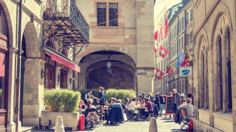 Жителите на Женева с референдум увеличиха минималната надница, а бизнесът не е доволен