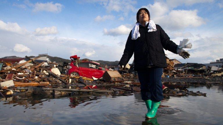 Полицията в Япония всеки ден получава пари в брой, открити при руините от земетресенията