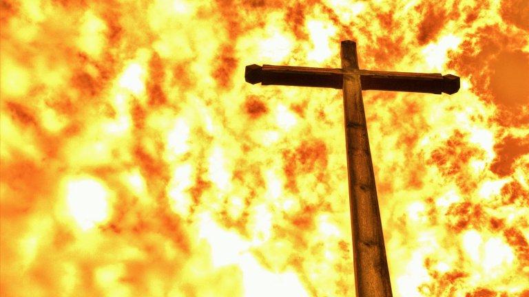 Той запали три църкви, за да докаже, че е достоен за блек метъла