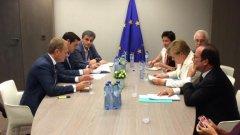 Предложенията бяха представени на срещата на върха на държавните ръководители на страните-членки на Еврозоната, на която участва и гръцкият премиер Алексис Ципрас.  В момента срещата е временно прекратена за провеждането на двустранни разговори.
