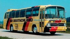 Неофициалното партньорство между Mercedes и националния отбор на Германия започва още през 1954-та. През 1972-ра пък се сключва и първият официален контракт между двете страни.