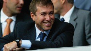 Абрамович беше приет със смесени чувства в Англия, но под негово ръководство Челси постигна впечатляващи успехи.