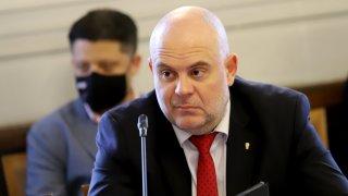 Николай Хаджигенов си отнесе няколко забележки за поведението по време на заседанието