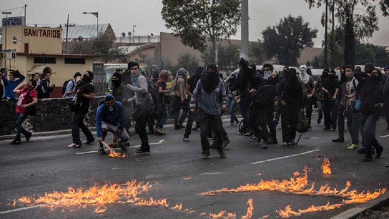Размириците в Мексико не са спирали от два месеца