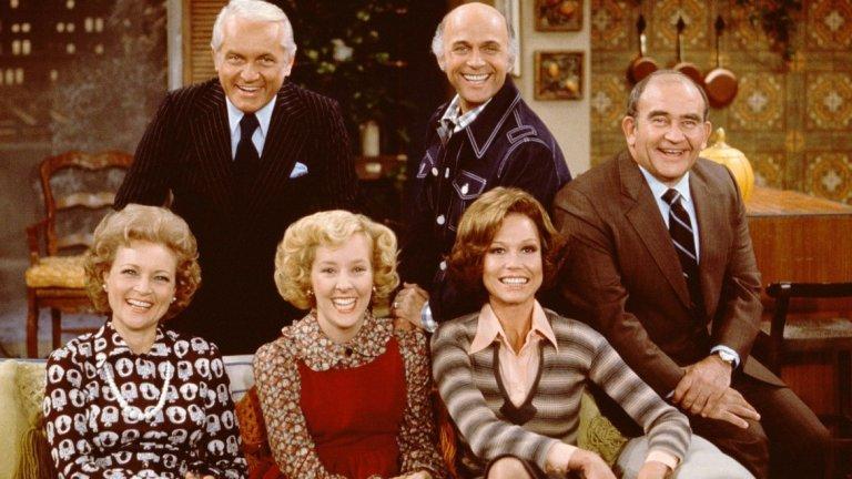 The Mary Tyler Moore Show, 1997  The Last Show - така се казва финалният епизод на ситкома, който задава изцяло нов модел за завършване на този тип продукции. Преди излъчването на този епизод не е обичайно за ситкомите да имат голям, финален епизод, който слага точка на историята. Най-продължителните ситкоми все още обаче използват именно зададената в The Last Show структура за финала си: нещо разделя героите, но те остават сигурни, че връзката и приятелството им ще устоят на сътресенията и всичко ще бъде наред.