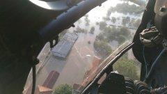 """Два вертолета """"Кугър"""" от авиобаза Крумово излетяха в 05.45 ч. тази сутрин за град Мизия"""