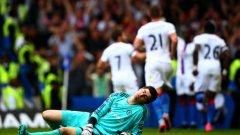 Тибо Куртоа не може да повярва - Кристъл Палас срина леговището на непобедимия Моуриньо с 2:1 над Челси в събота. Така бе помрачен 100-ия мач на Жозе у дома начело на лондонския клуб във Висшата лига.