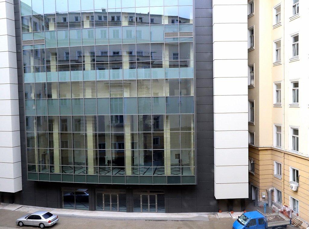 Идеята депутатите да заседават от там датира от поне 20 години, но ремонтът на сградата започна преди две.