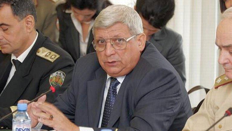Военният министър Аню Ангелов получи мандат да преговаря за покупка на изтребители