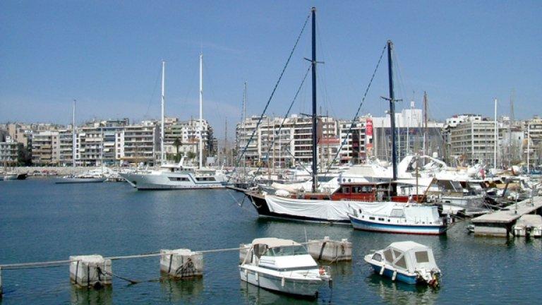 """Пристанище """"Пирея"""" ще се стопанисва и управлява от китайската компания COSCO Shipping"""