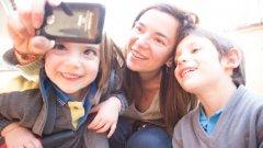 Младите майки с децата откриха още един начин да ни дразнят