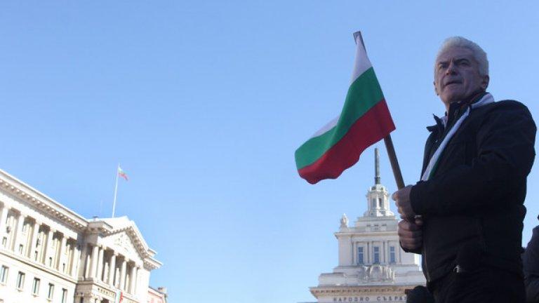 """В традиционния """"Неделник"""" по партийната телевизия """"Алфа"""" националистическият лидер Волен Сидеров смело заяви, че НАТО стои зад фекалното замърсяване в Лозенец"""