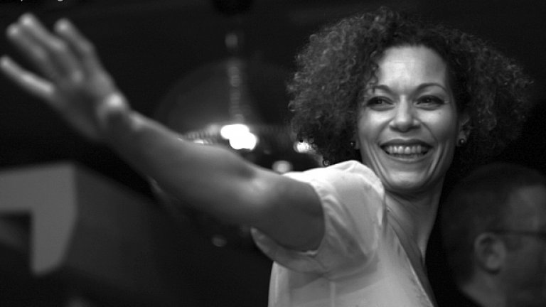 Розалия Де Соуза ще пее в Sofia Live Club на 28 април