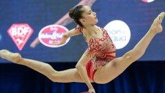 Владинова заслужи първото място в многобоя, а днес продължава във финалите на отделните уреди