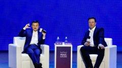"""""""Преди Джак Ма подкрепяше 12-часовия работен ден в 6 дни от седмицата, като говореше на китайски език. Това беше посланието за нас. Сега говори за """"три работни дни в седмицата по четири часа на ден"""", като говори на английски език. Това послание е за чужденците"""", коментира потребител в китайската социална мрежа Weibo."""