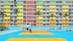 Победител в категорията Hello Life! е ibreakphotos от Хърватска със снимката Rainbow estate. Категорията предизвиква творците да намерят красотата в ежедневни ситуации. Вижте в галерията и другите снимки победители: